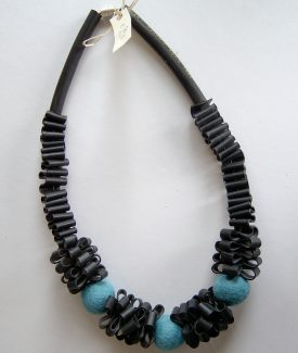 nr. 111 ketting/necklace € 19,50